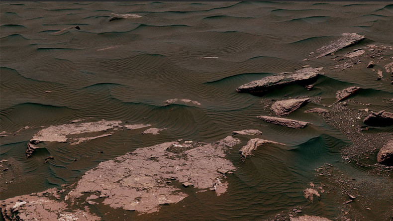 Stunning Mars 360 video captures mountains, craters & 'beaches' on Red Planet
