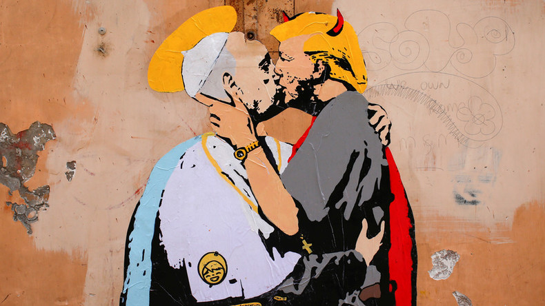 Horny Trump's passionate embrace with Pope in Rome mural (PHOTOS)