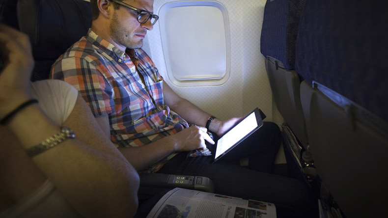 Airlines, DHS officials discuss laptop & tablet ban on flights from Europe ‒ report