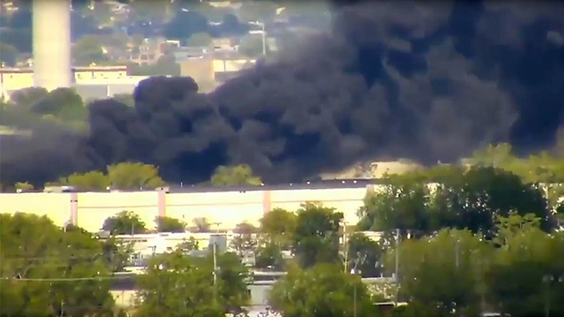 2 dead in New Jersey plane crash, 3 buildings set ablaze
