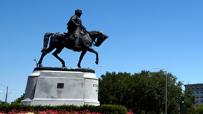 2 arrested for spraying graffiti as New Orleans dismantles its 3rd Confederate monument