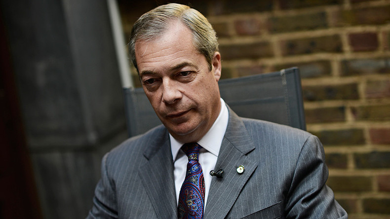 Nigel Farage vows to 'pick up a rifle' if Tories U-turn on Brexit (VIDEO)