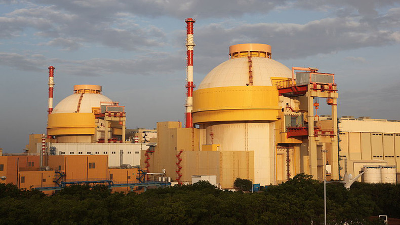 India to build 10 reactors in big nuclear power push