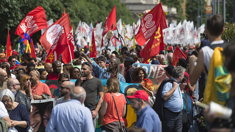 'Without borders': Tens of thousands rally in Milan to support migrant rights (PHOTOS, VIDEO)