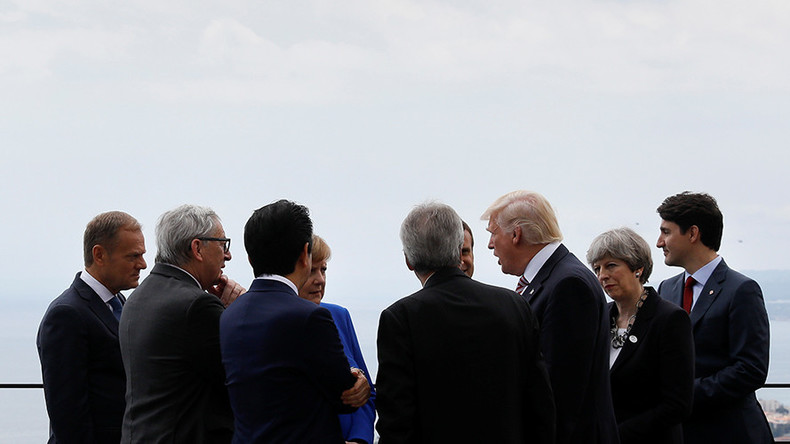 Justin Trudeau left out as G7 leaders huddle (VIDEO)