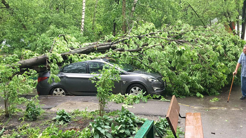 Dozen killed, over 120 injured in Moscow as severe storm causes havoc (PHOTO, VIDEO)