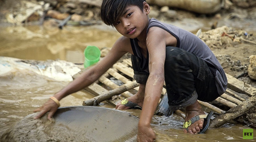 Golden Gamble: RT documentary discovers desperation & peril driving Philippines gold divers