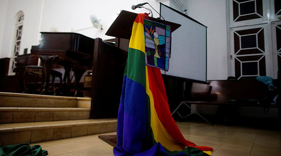 Cuba hosts first ever religious ceremony led by transgender clergyman (PHOTOS)