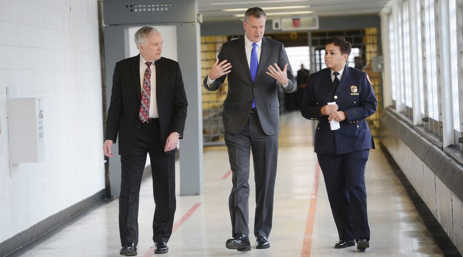 Beleaguered head of NYC prisons retires early amid scandals