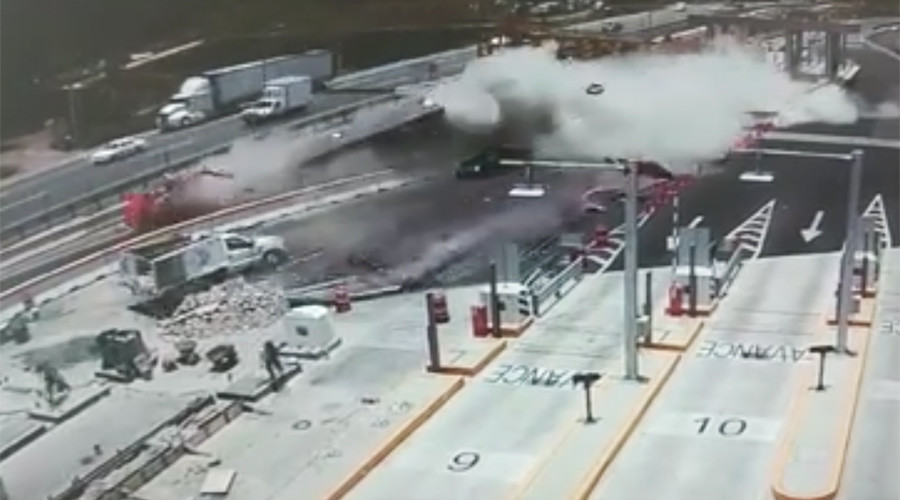 Highway horror: CCTV shows utter chaos from runaway truck smash (VIDEO)