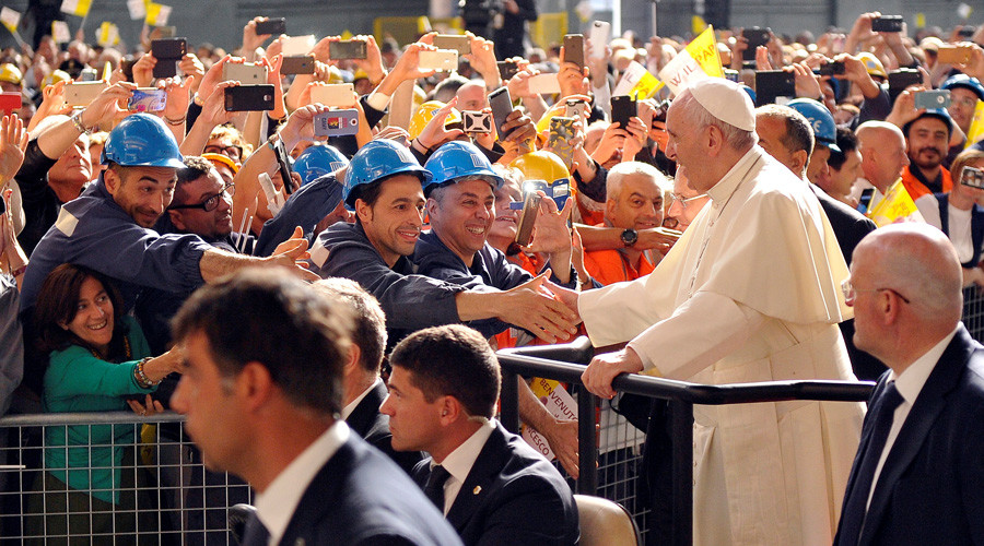 Pope Francis compares financial speculators to mercenaries