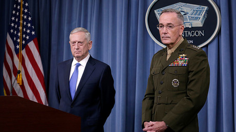 US Defense Secretary James Mattis (L) and Joint Chiefs Chairman Marine Gen. Joseph Dunford © Yuri Gripas