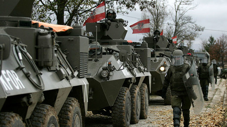 Austrian troops as part of the NATO force in Kosovo © Hazir Reka