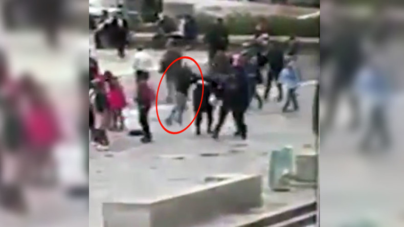 Moment of Notre Dame hammer attack caught on camera (VIDEO)