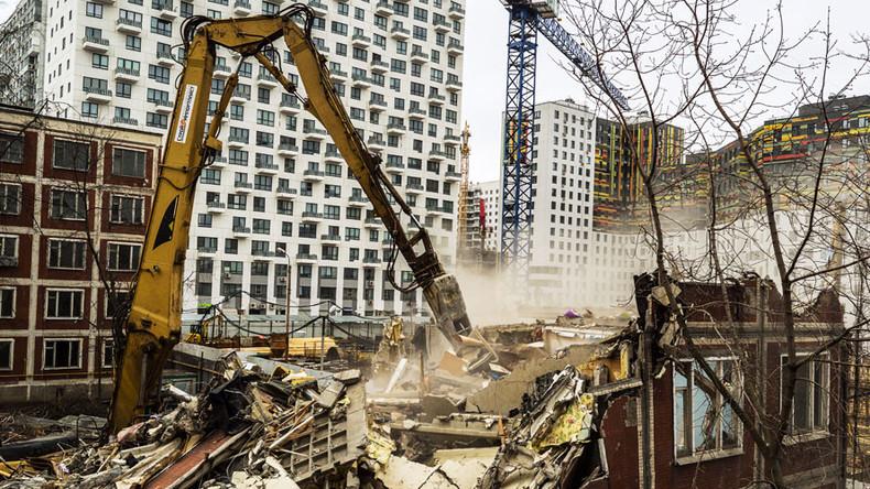 Duma passes Moscow renovation bill amid protests