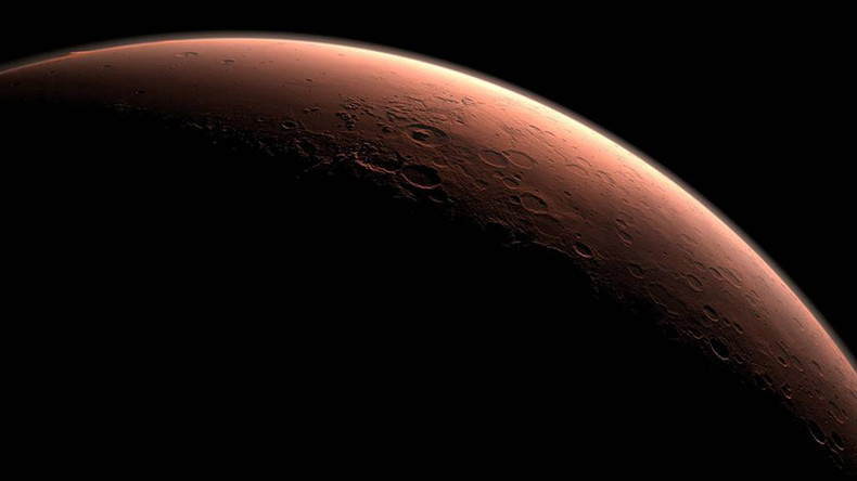 Elon Musk explains why space colonizers should choose 'fun' Mars over the moon
