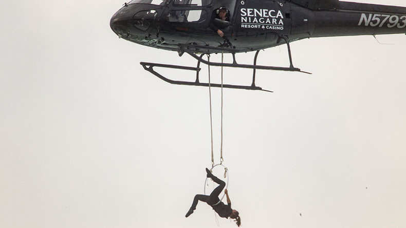 Hang 'em high: Mrs. Wallenda beats husband's teeth-hanging record over Niagara Falls (PHOTO, VIDEO)