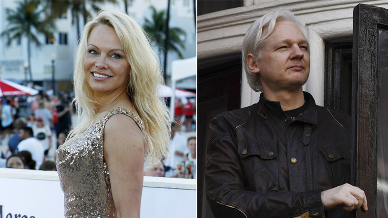 Pamela Anderson pens love letter to 'sexy' Assange, asks for audience with Macron