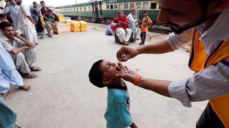 Syria polio outbreak leaves 17 children paralyzed