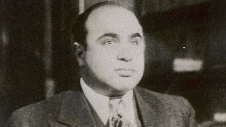 Going for a song: Gangster memorabilia from Capone, Bonnie & Clyde, & John Gotti offered at auction