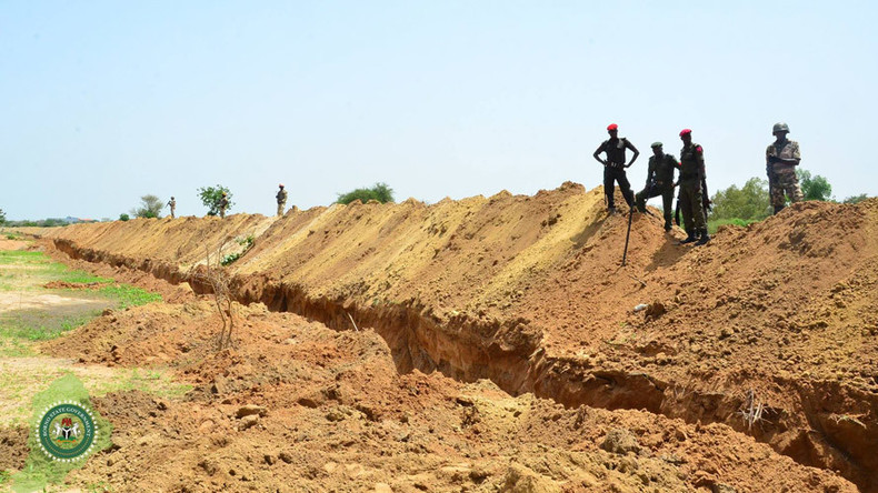 Nigeria university builds trench to stop Boko Haram attacks after suicide bombings (PHOTOS)
