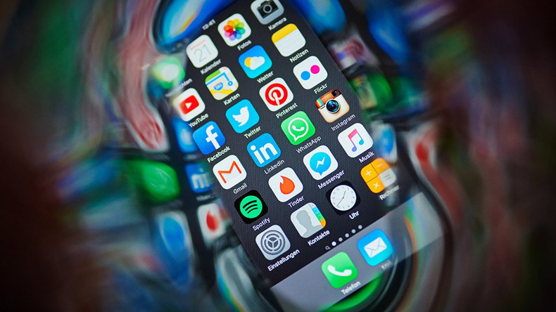 Social media can be used to 'predict future' – study