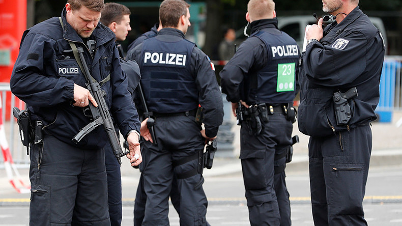 G20 #PartyPolizei who had sex & urinated in public are 'only human' – Berlin police