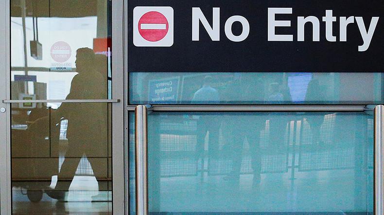 Trump travel ban enforcement begins, Hawaii challenges exemption rule