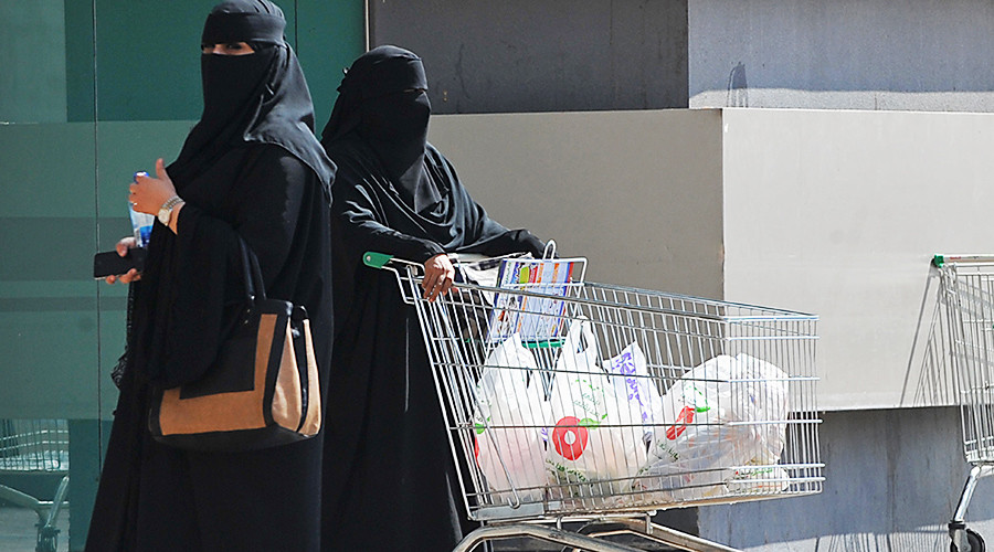 Qataris rush to stock up on food ahead of price hike as only land border shut