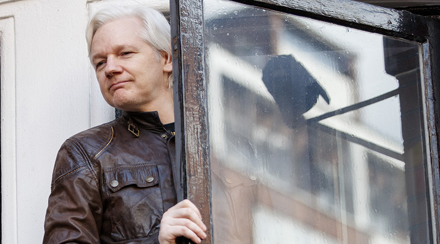 Assange wants support for NSA whistleblower as WikiLeaks offers $10k reward to 'expose' reporter