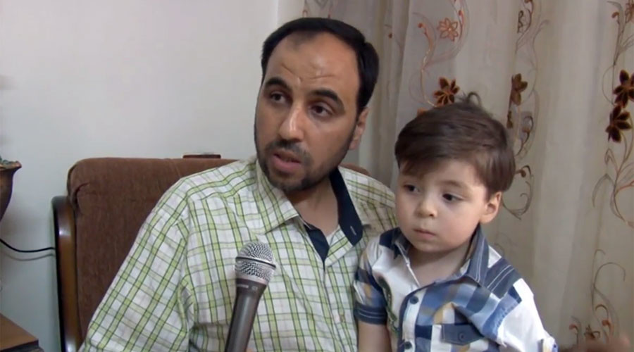'They filmed him before providing first aid': Father of blood & dust-covered Aleppo boy to RT