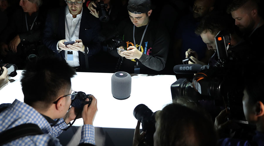 Twitter's Apple HomePod verdict: 'It looks like a roll of toilet paper'