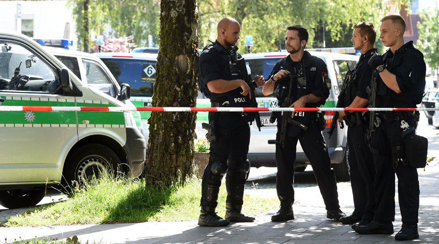 Female officer & 2 people injured in Munich shooting, suspect detained (PHOTOS, VIDEOS)