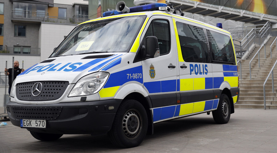 Person arrested after van strikes cars in Stockholm, injuring 1 (PHOTOS)