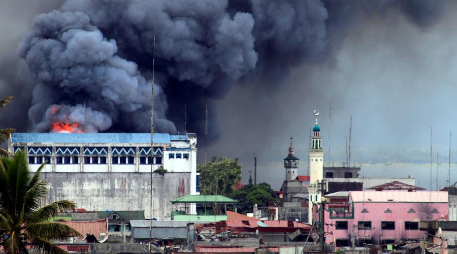 US troops near jihadist-besieged Philippines city 'not fighting militants' (PHOTOS)