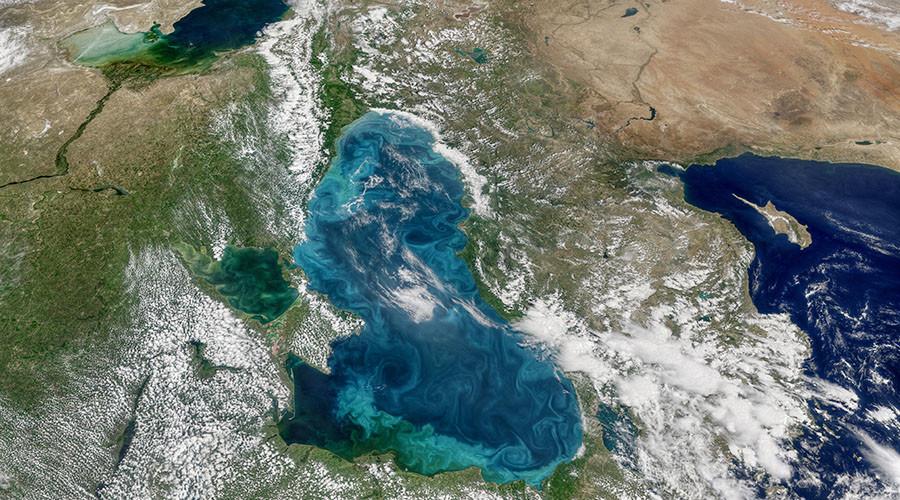 Plankton 'explosion' turns the Bosphorus Strait stunning turquoise (PHOTOS)