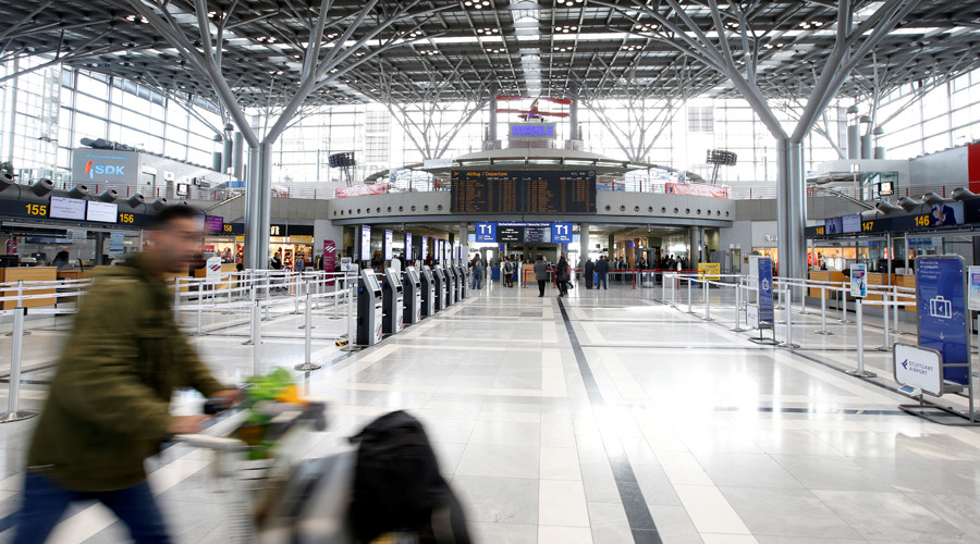Two men detained in Stuttgart airport after bomb scare