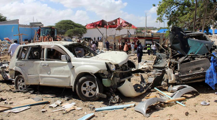 Al-Shabaab car bomb kills up to 10, injures 20 outside govt building in Mogadishu (PHOTOS)