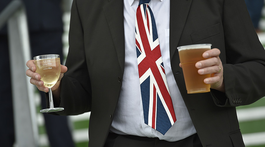 'Britain at its best': Royal Ascot descends into shirtless drunken brawl (VIDEOS)
