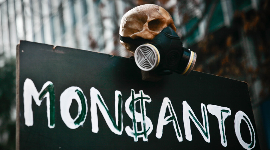 Soy seeds sales surge, giving Monsanto better-than-expected 3rd quarter