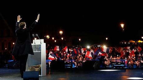 © Macron