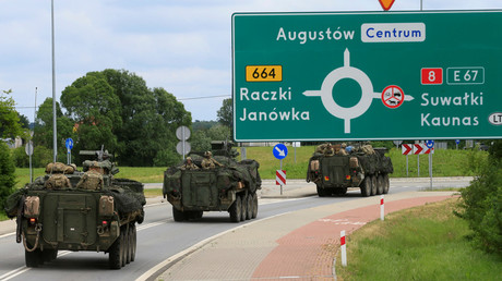 A US military convoy heading towards Suwalki, Poland, on June 17, 2017. © Ints Kalnins