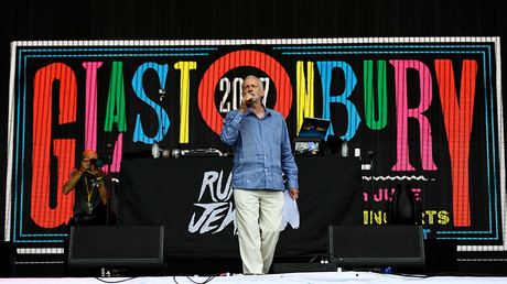 Britain's opposition Labour Party leader Jeremy Corbyn during the Glastonbury Festival in Britain, June 24, 2017. © Dylan Martinez