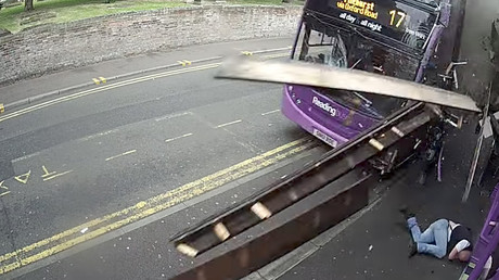 Man catapulted down street in dramatic bus crash (GRAPHIC VIDEO)