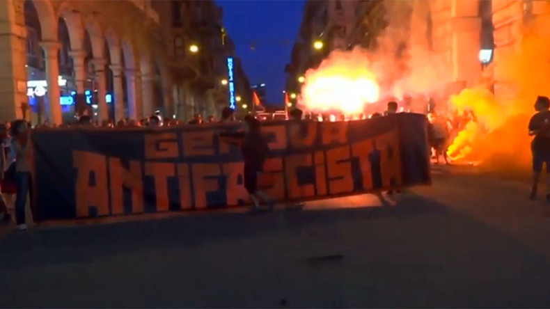 Smoke bombs, flares as 2,000 march in Genoa to protest far-right group's new HQ (VIDEO)