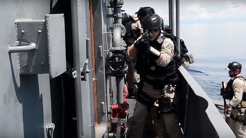 Navies of US & Philippines conduct joint patrol (VIDEO)