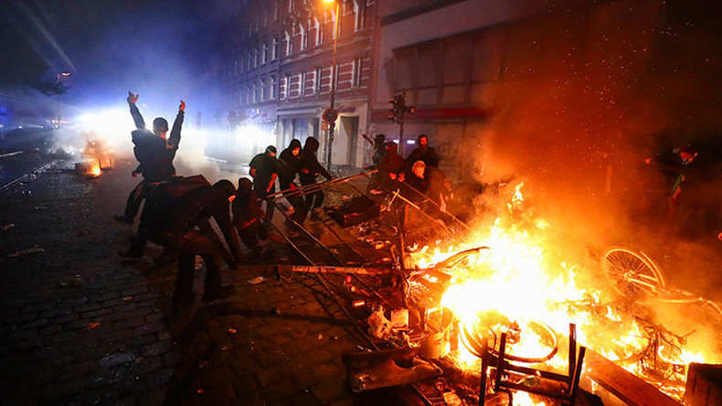 'No justification': Merkel condemns G20 violence as protesters & police face-off in Hamburg (VIDEOS)