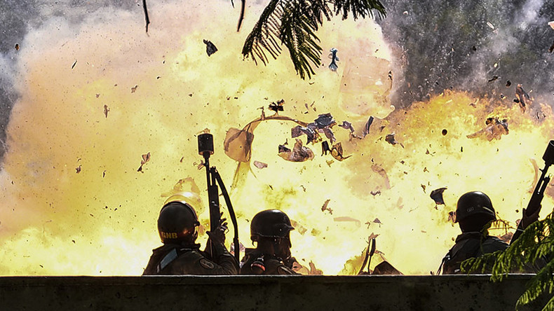 National Guard patrol hits roadside bomb in Venezuelan capital (GRAPHIC VIDEO, PHOTOS)