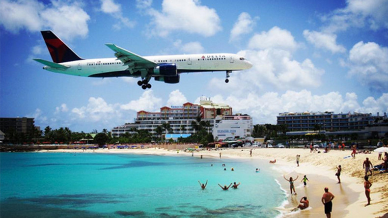 Jet blast kills tourist at world-famous Caribbean beach