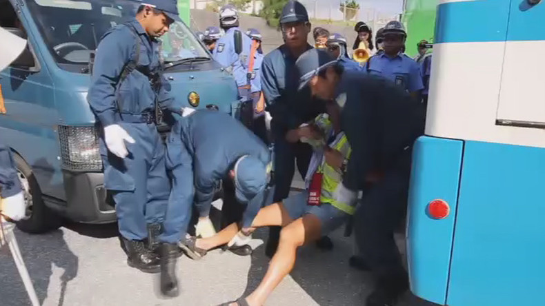 'Marines out!' Japanese police forcibly remove anti-US base sit-in in Okinawa (VIDEO)